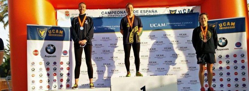 Ana Mariblanca (TeamClaveria) gana el Cto España de Triatlón Universitario.