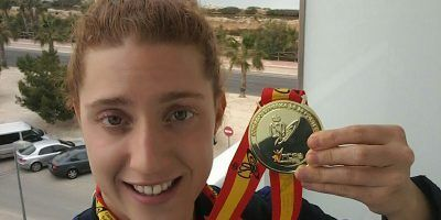 La Triatleta del TeamClaveria Ana Mariblanca revalida el oro en el Cto de España de Triatlón Universitario con la UCAM